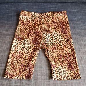 NWT K.zell short legging leopard size medium